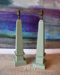 A Pair of Elegant Obelisk Shape Green Column Hall Bed Side Console Table Lamps