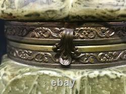 CF Monroe-Wave Crest-Kelva-Green Mottled Design Dresser Box withMaple Leaf