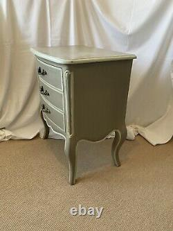 Graham and Green (G&G) Ile De Re Elegant Single Bedside table with drawers