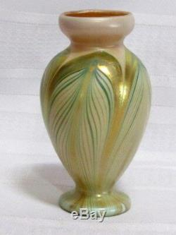 Kew Blas Art Glass Cabinet Vase, Green Pulled Feather Decoration, Very Nice