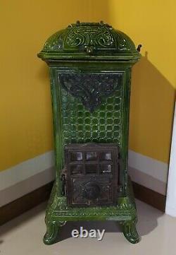 Martin Art Nouveau Cast Iron Wood Burning Stove in Emerald Green