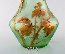 Montjoye, France. Large art nouveau vase in mouth-blown art glass. 1880-1900