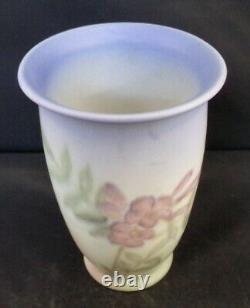ROOKWOOD Vase Kataro Shirayamadani. SIGNED. Vellum. Shape 6357 1944 6.5