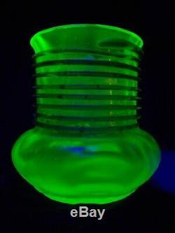 Rare Loetz Ausführung 59 PN II-5609 Glass Vase Uranium Olympia & Green Coil 1908
