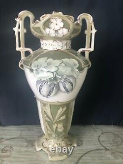Royal Dux Vase Art Nouveau circa late 1800s, Mint condition