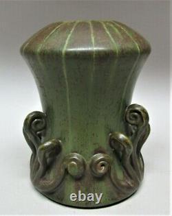 Superb KEN NICHOLS EPHRAIM Art Pottery Vase with Fiddlehead Ferns art nouveau