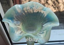 Uranium Depression Vaseline Glas Antique vase Art Nouveau