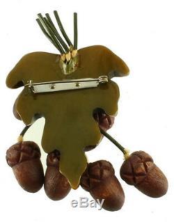 VINTAGE DECO GREEN GOLD BAKELITE CARVED LEAF With 6 WOODEN ACORNS PIN 3