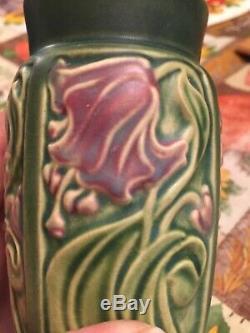 VINTAGE ROSEVILLE ART POTTERY ROSECRAFT FLORAL GREEN PANEL VASE 6 Tall